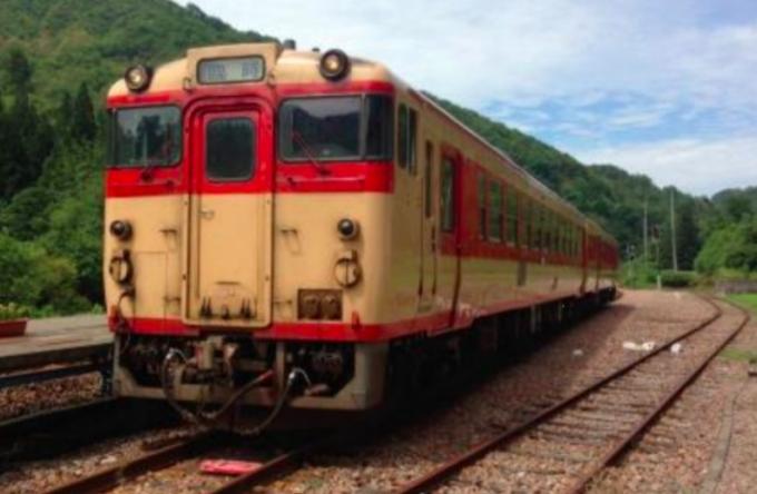 新津~酒田間で快速「国鉄色羽越」、「国鉄急行色羽越」運行 | RailLab ...