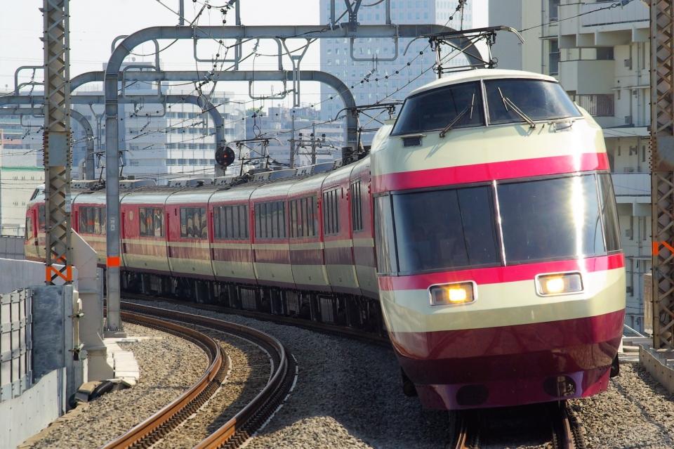 ニュース画像 4枚目:小田急10000形電車「HiSE」(ちっとろむさん撮影)