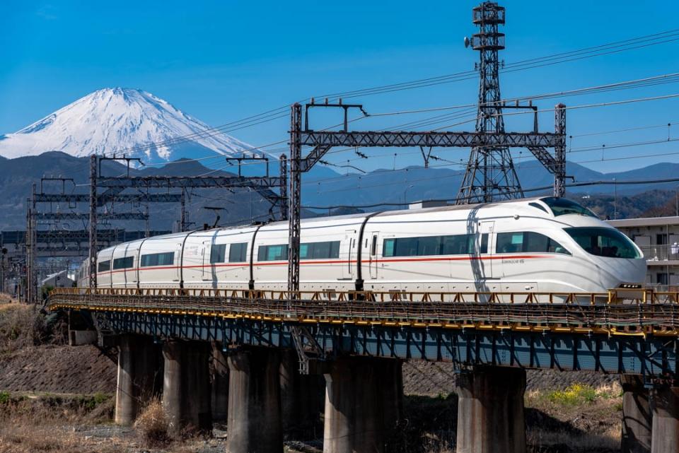 ニュース画像 7枚目:小田急50000形電車「VSE」(りんきゅーさん撮影)