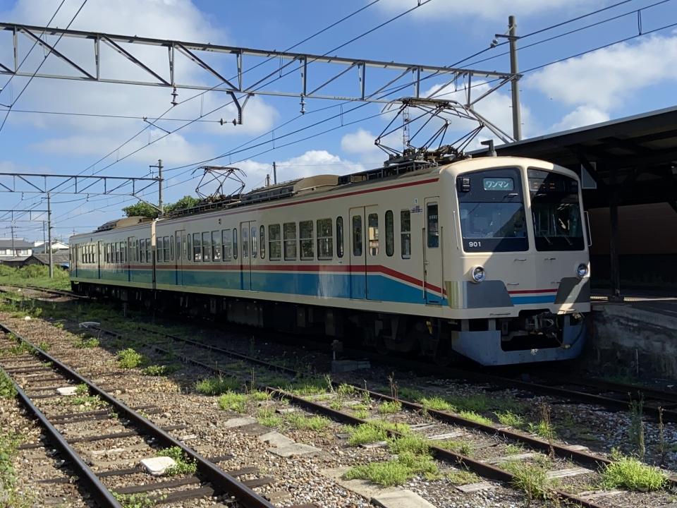 ニュース画像 1枚目:2019年から引き継いだ900形電車「あかね号」(ポムフリットさん撮影)