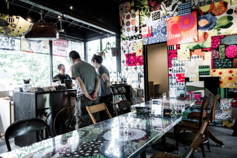 ニュース画像 1枚目:都田駅にあるマリメッコファブリックを使用した「MIYAKODA駅Cafe」