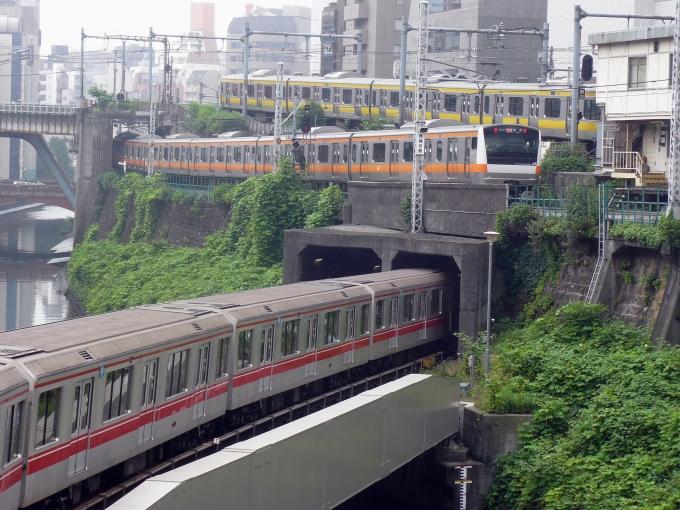 「御茶ノ水駅 電車」の画像検索結果
