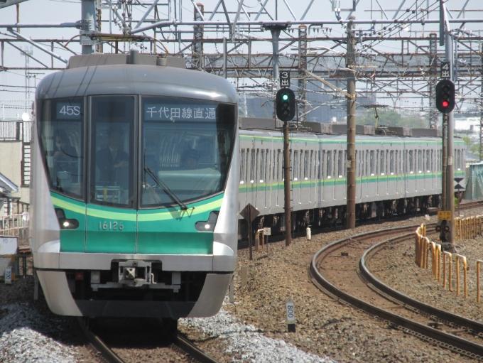 東京メトロ16000系電車 16126 亀...